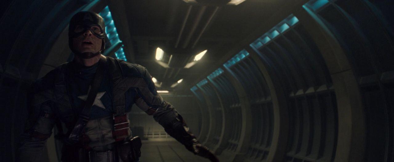 Captain America poursuit Crane Rouge